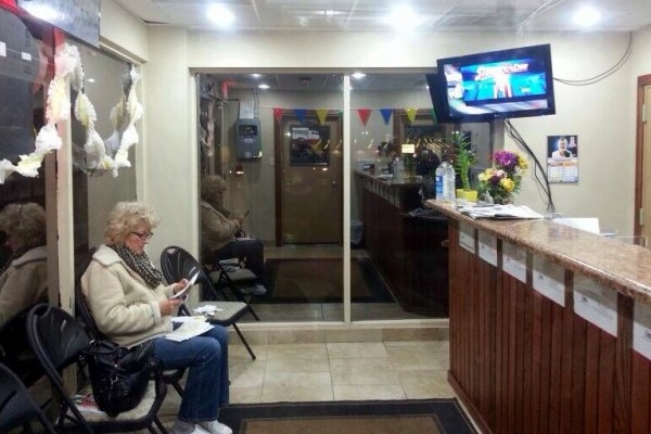 Maks Auto Repair Waiting Room